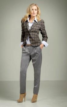 С чем носить узкие женские брюки фото (14)