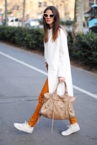 с чем носить белые кеды фото (20)