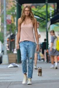 с чем носить джинсы бойфренды фото(25)