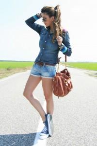 с чем носить красные и голубые кеды фото (30)