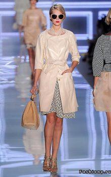 модные пальто из блестящей ткани фото (1)