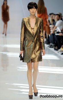 модные пальто из блестящей ткани фото (4)
