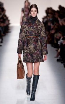 модные пальто из блестящей ткани фото (8)