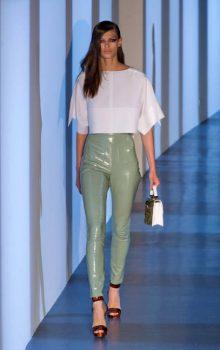 модные кожаные брюки 2017 фото (34)