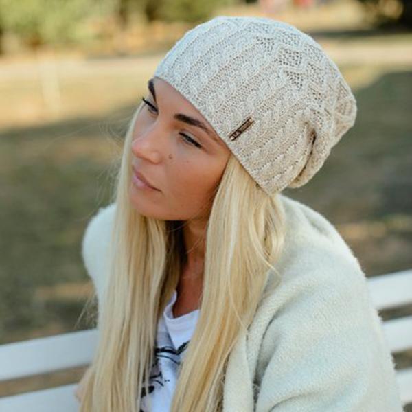 Бежевые шапки женские