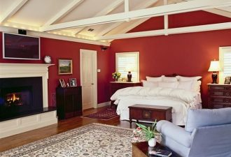 Airy-bedroom-allows-you-to-use-red-in-a-more-extensive-fashion-Custom