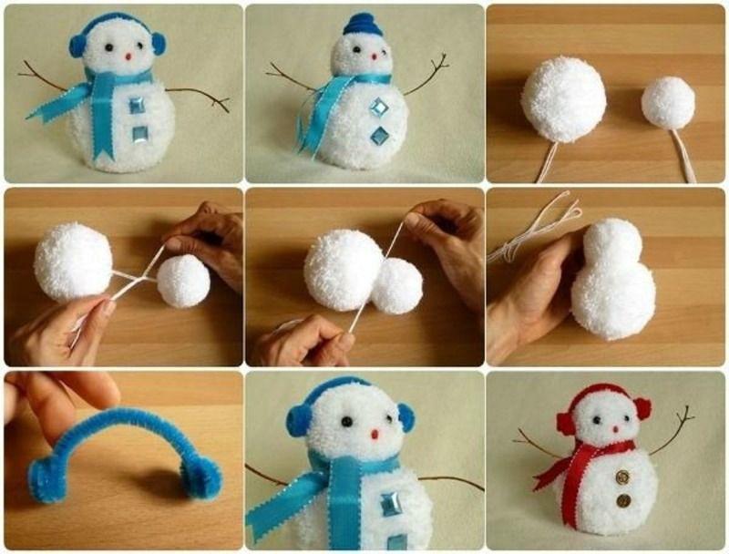 Снеговик из помпонов своими руками видео