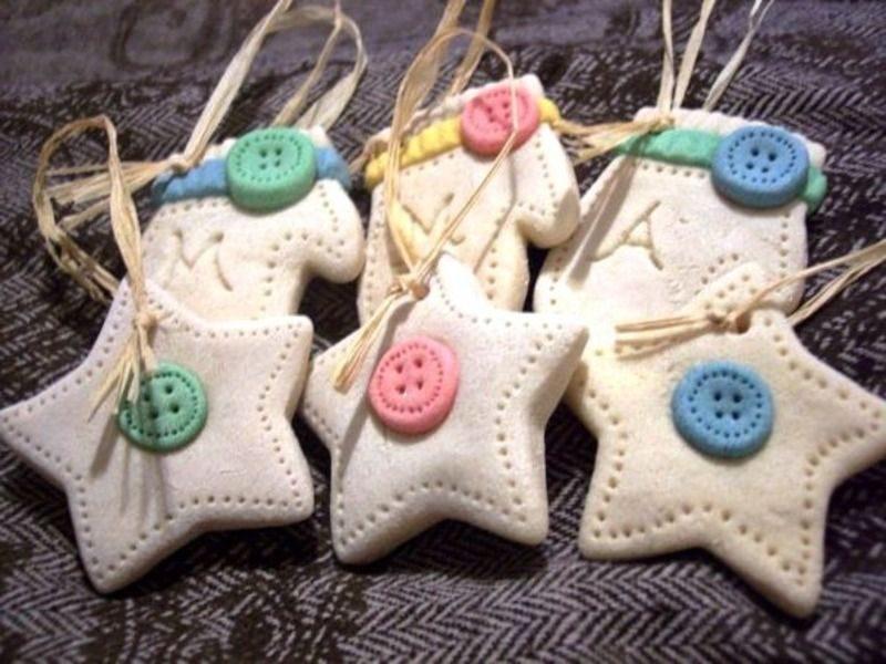 Тесто и цветные пуговички-креативная игрушка