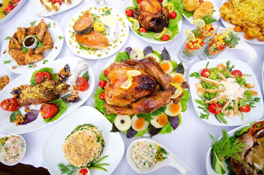 Блюда на паздничном столе