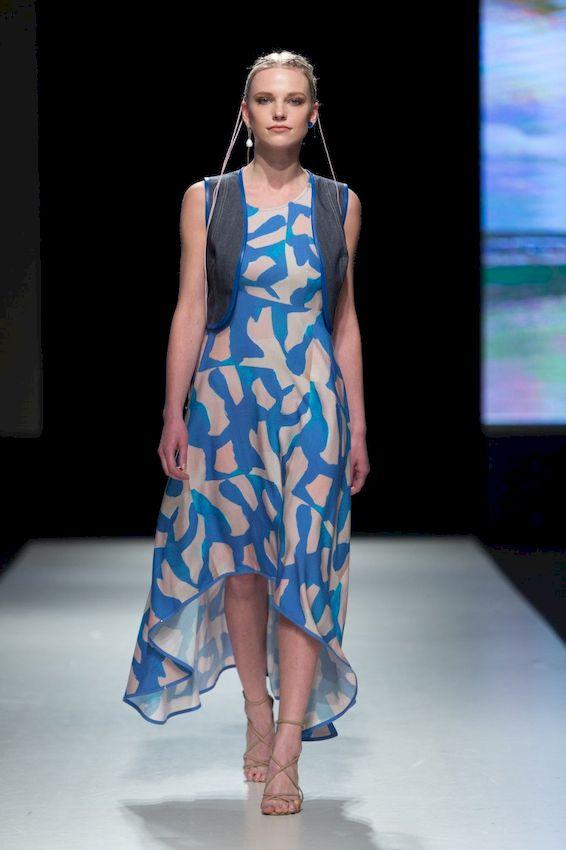 Самые яркие платья: Лучшие модели и примеры потрясающих образов в насыщенных оттенках