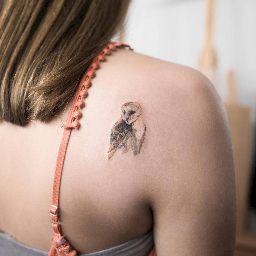 Впечатляющие тату на лопатке: Женские эскизы и актуальные варианты