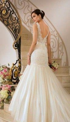 svadebnie-platiya-s-otkritoy-spinoy (19)