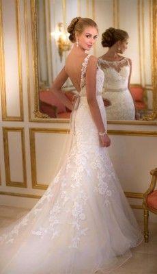 svadebnie-platiya-s-otkritoy-spinoy (23)