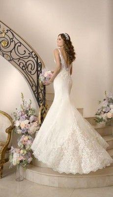 svadebnie-platiya-s-otkritoy-spinoy (24)