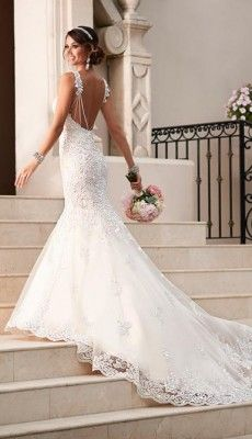 svadebnie-platiya-s-otkritoy-spinoy (30)