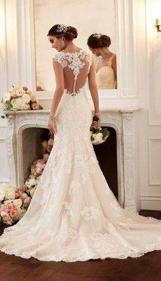 svadebnie-platiya-s-otkritoy-spinoy (32)