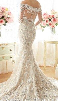svadebnie-platiya-s-otkritoy-spinoy (38)