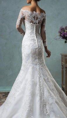 svadebnie-platiya-s-otkritoy-spinoy (53)