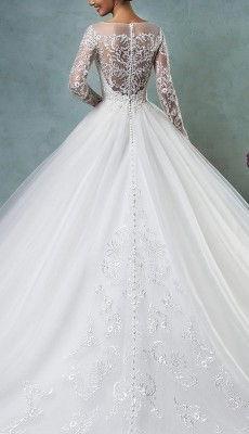svadebnie-platiya-s-otkritoy-spinoy (55)