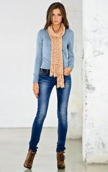 Повседневные образы с узкими брюками, джинсами фото (13)