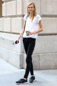 С чем носить узкие женские брюки фото (27)