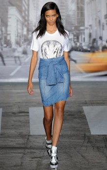 с чем носить джинсовую юбку карандаш фото (8)